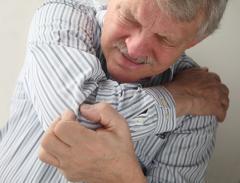 Лечение боли в плече, плечелопаточого периартрита в Алматы