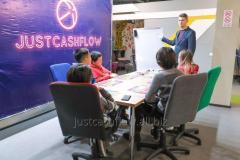 CASHFLOW  Денежный поток бизнес игра для подростков Р. Кийосаки в Нур-Султане - Астане. Жмите!