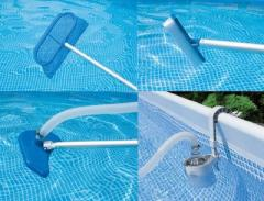 Professional cleaning of pools and fountains