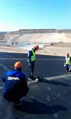 Installation and laying of geomembranes