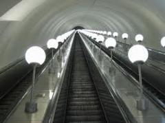 Installation and setup of escalators
