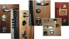 Insert of locks