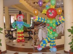 Украшение помещения фигурами из шаров
