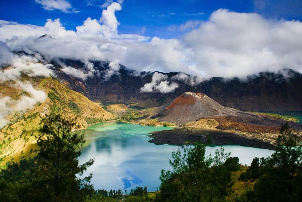 tury_v_indoneziyu