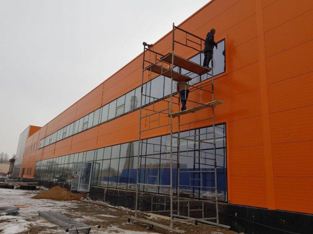 montazh_sendvich_panelej_i_metallokonstrukcii